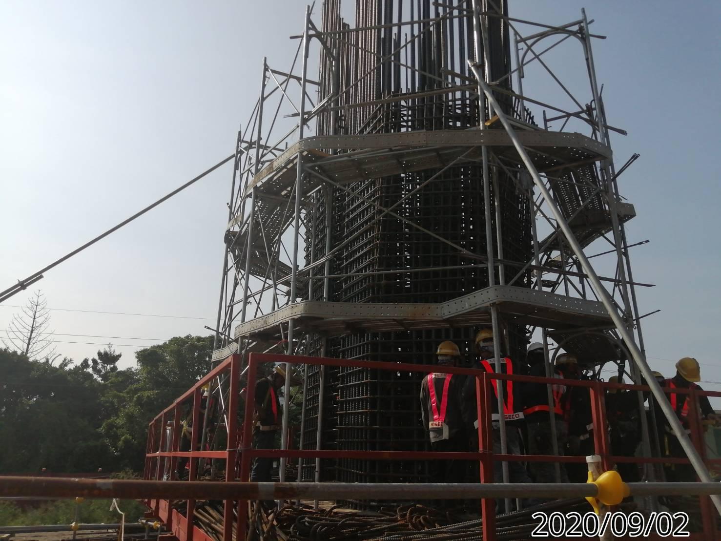 八里端橋墩墩柱牆身鋼筋綁紮