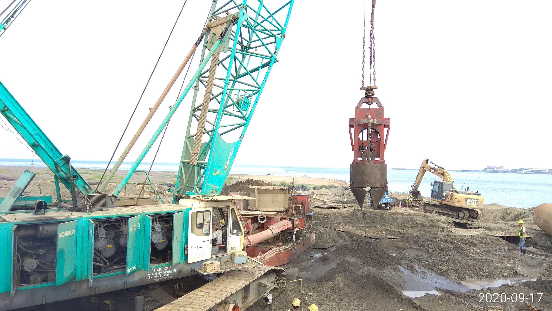 八里端基樁挖掘
