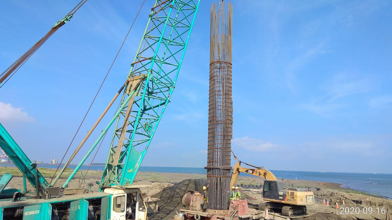 八里端基樁鋼筋籠吊放
