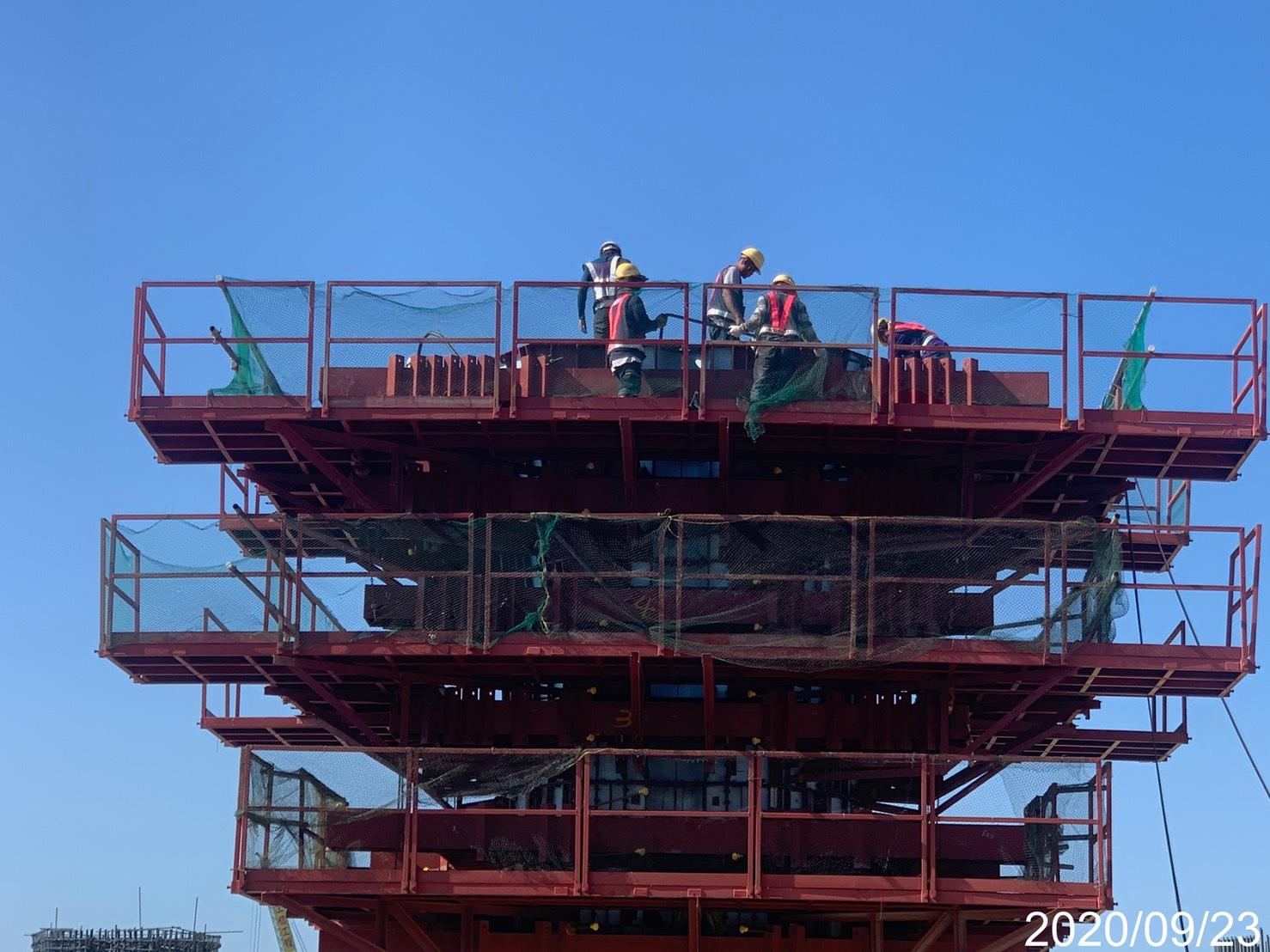 淡水端橋墩墩柱牆身鋼模組立