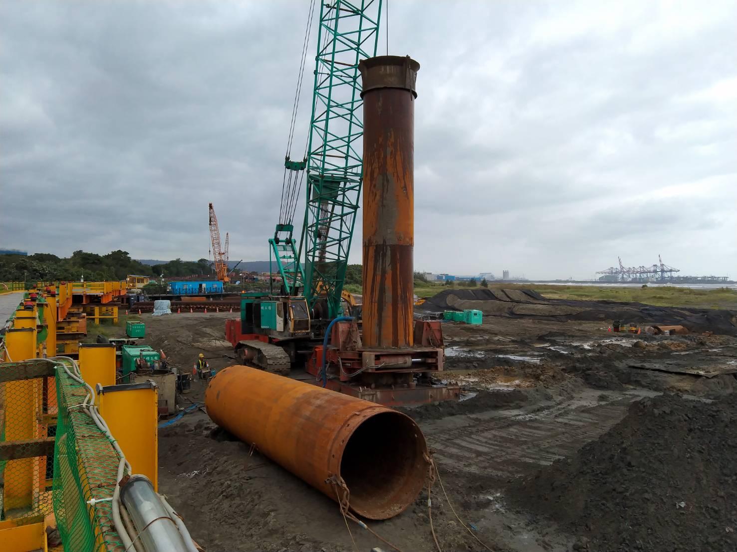 八里端基樁挖掘作業