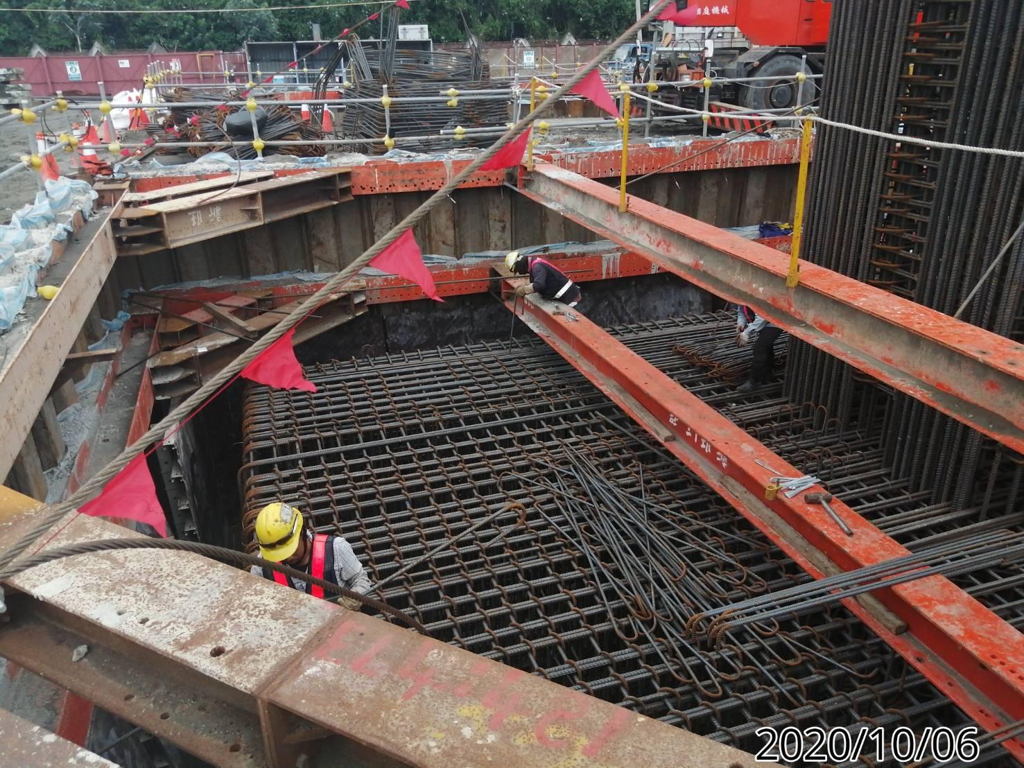 八里端橋墩基礎板鋼筋綁紮