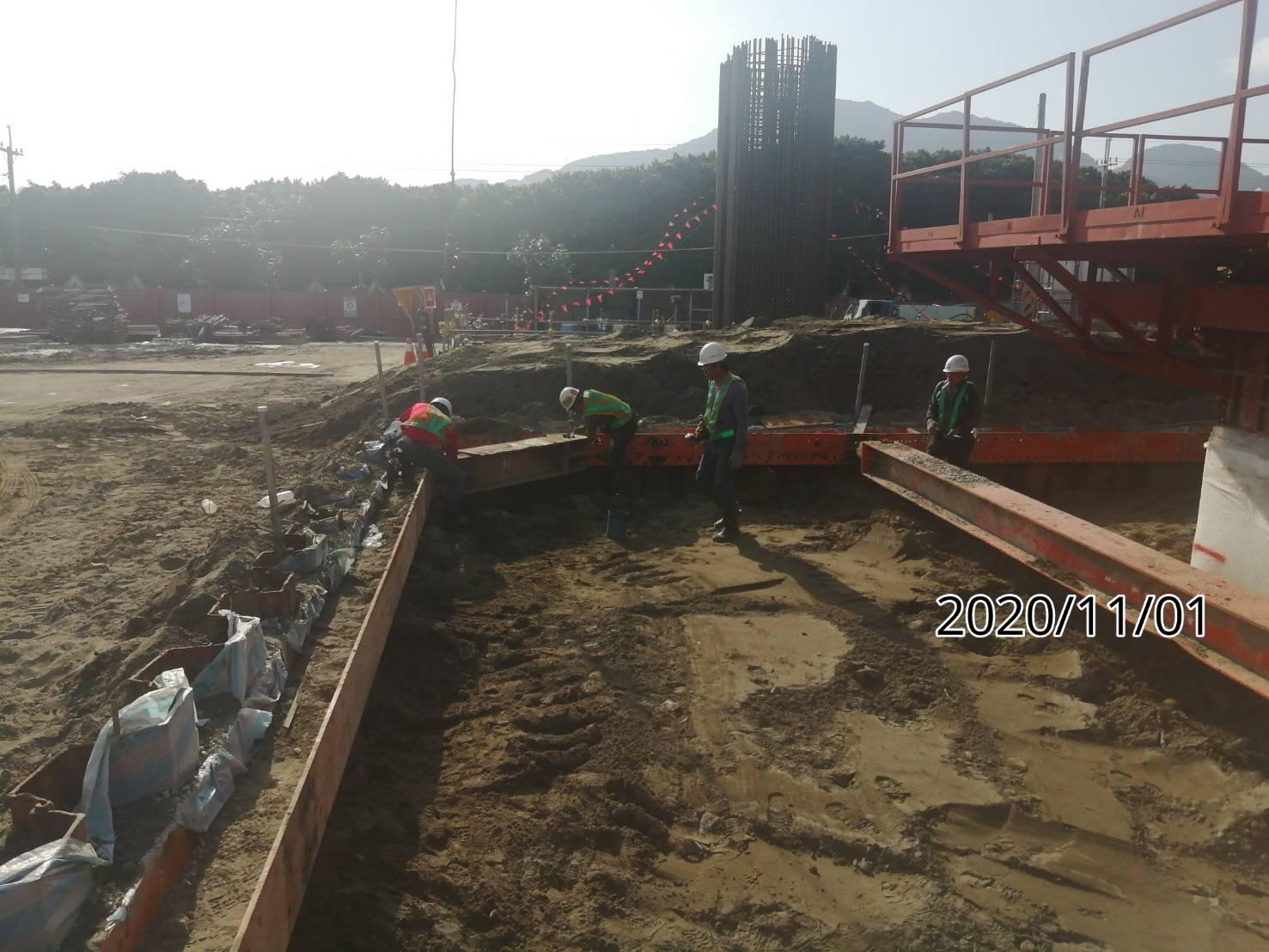 八里端橋墩墩柱基礎支撐系統組立