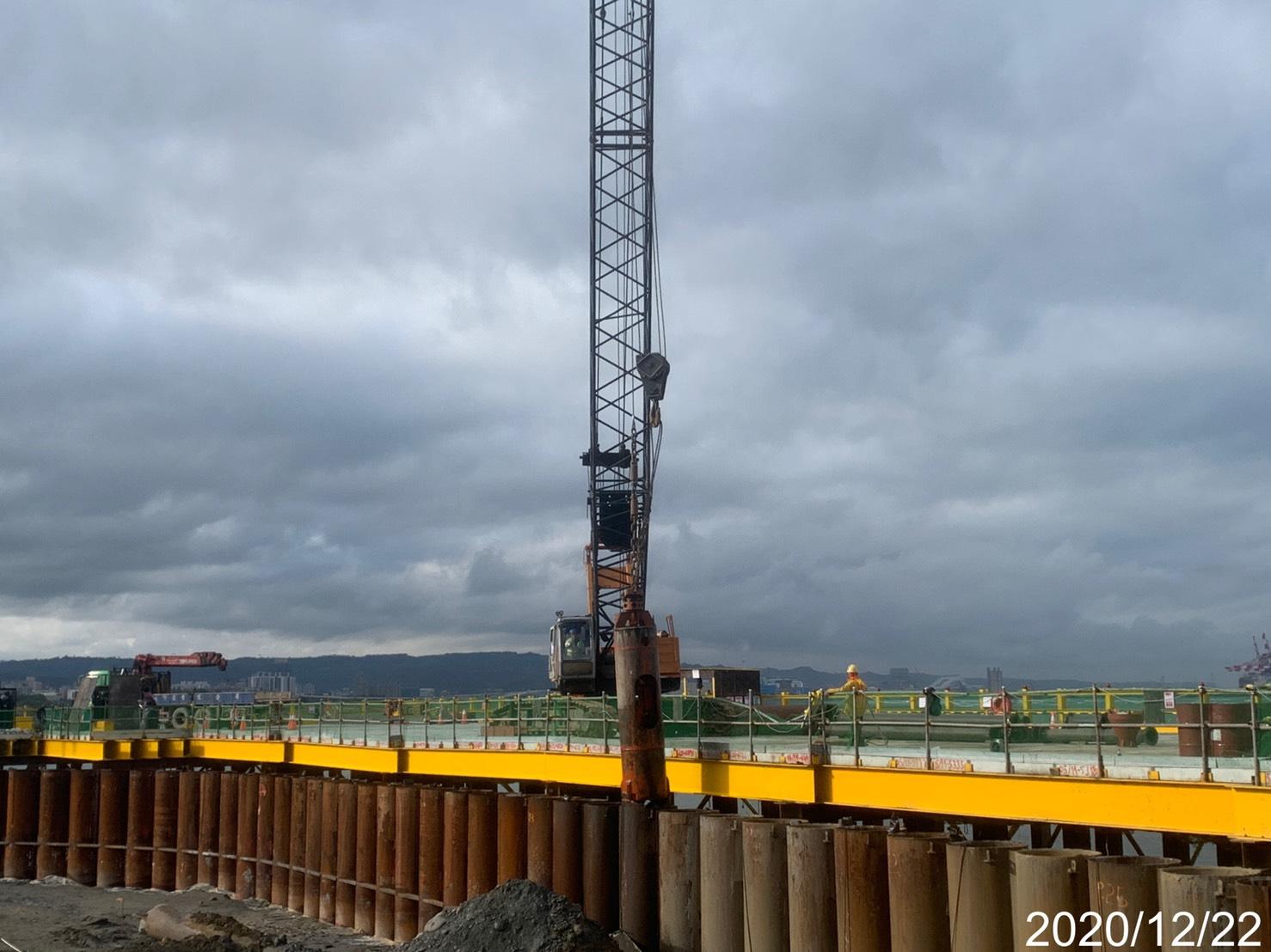 河中段P130鋼管板樁樁內取土及整地