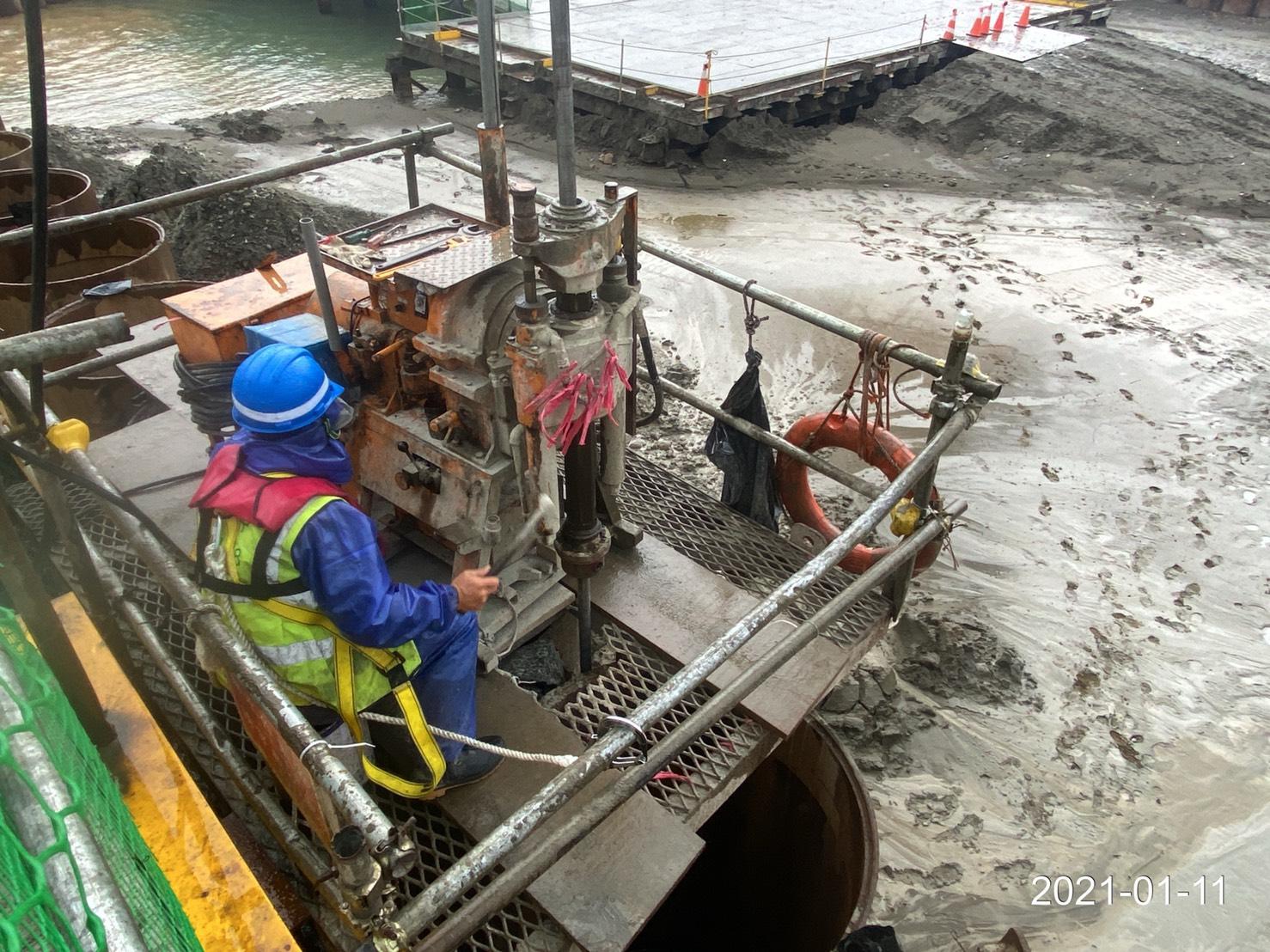 河中段P130鋼管板樁継手JSG止漏灌漿