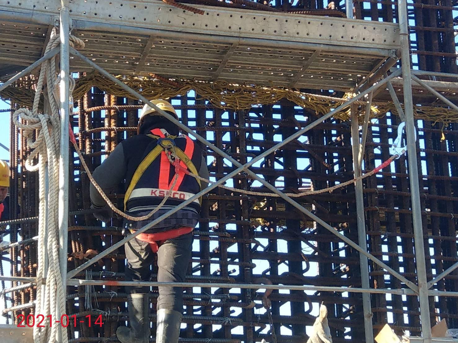 淡水端橋墩墩柱第2昇層鋼筋綁紮