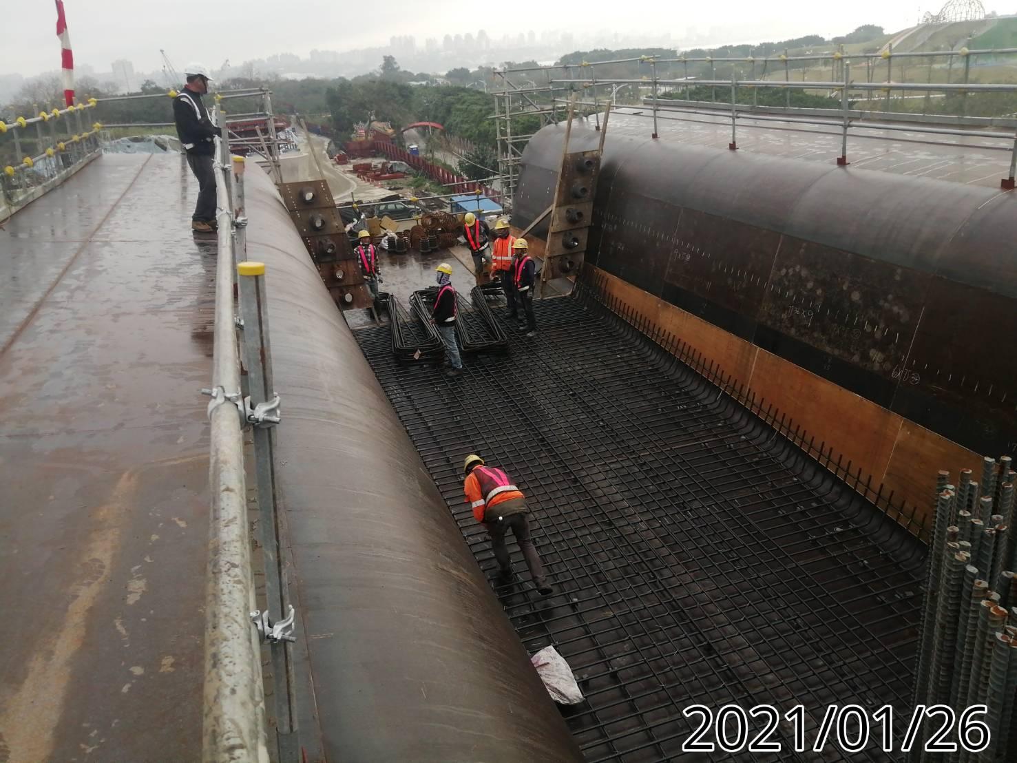 橋面版U2N單元底版鋼筋組立綁紮施工.