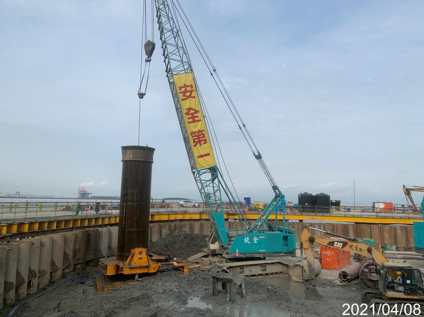 河中段基樁工程施工作業.