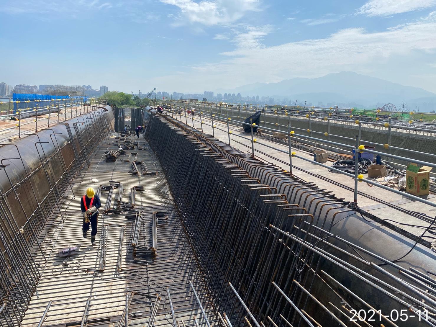 橋樑上構場撐段預力箱型樑鋼筋綁紮施工.