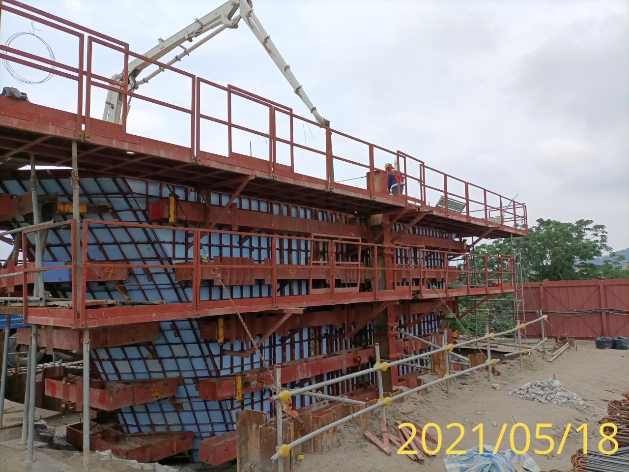 橋墩墩柱帽樑RC澆置施工.