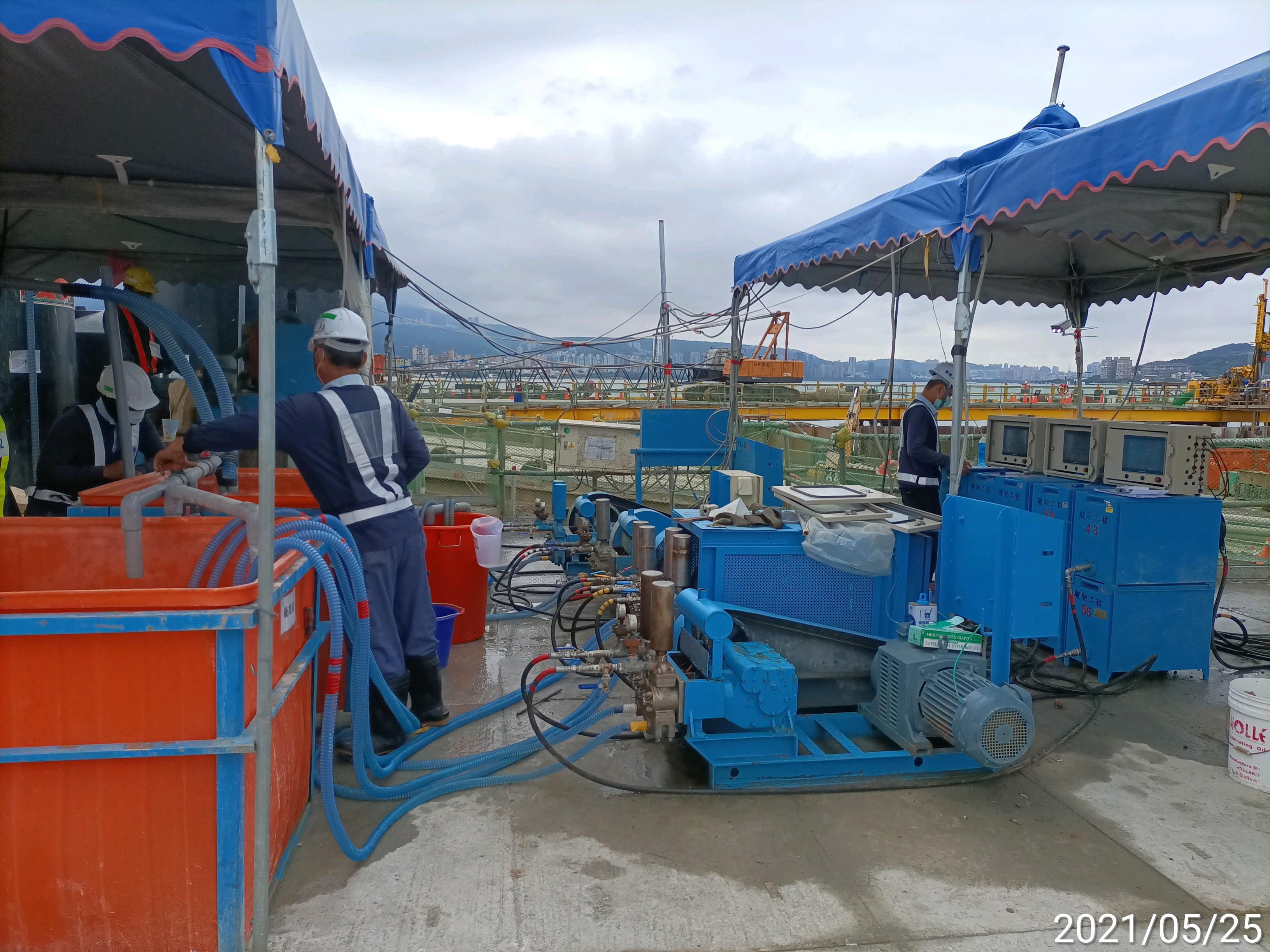 河中段鋼管鈑樁圍堰內之雙環塞低壓灌漿工程.