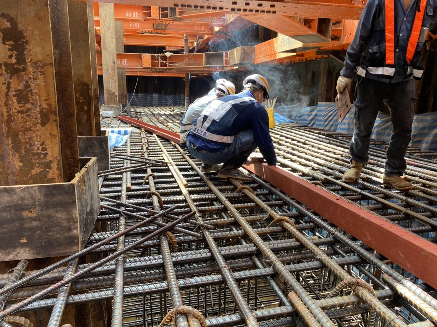 橋墩樁帽預埋構件.