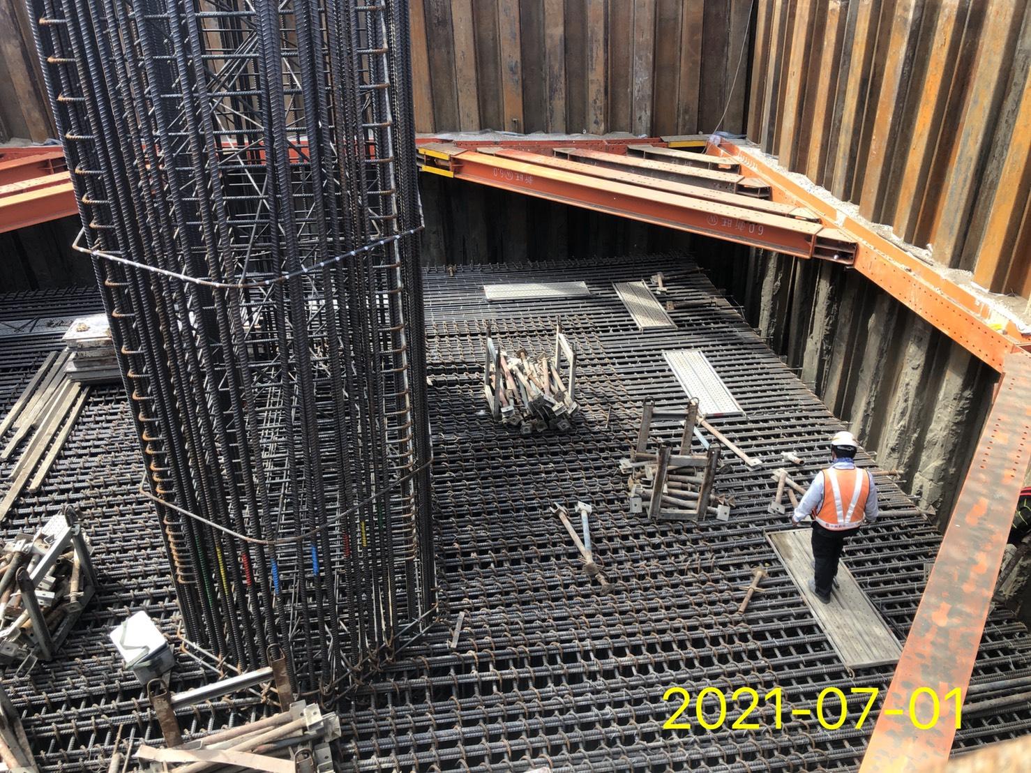 橋墩樁帽鋼筋.模板工程施作.