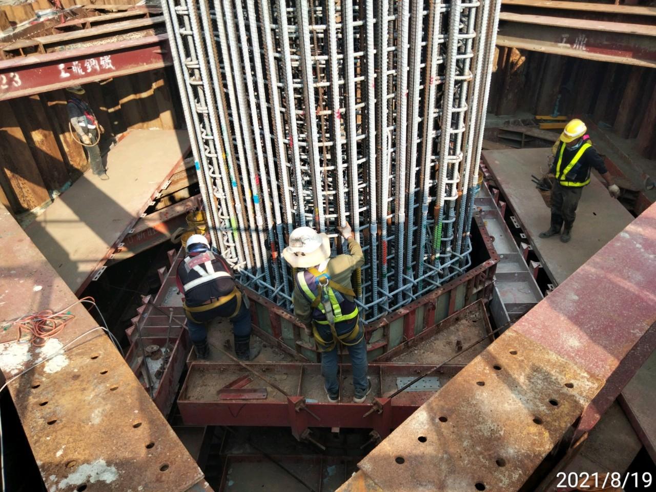 墩柱鋼模組立.