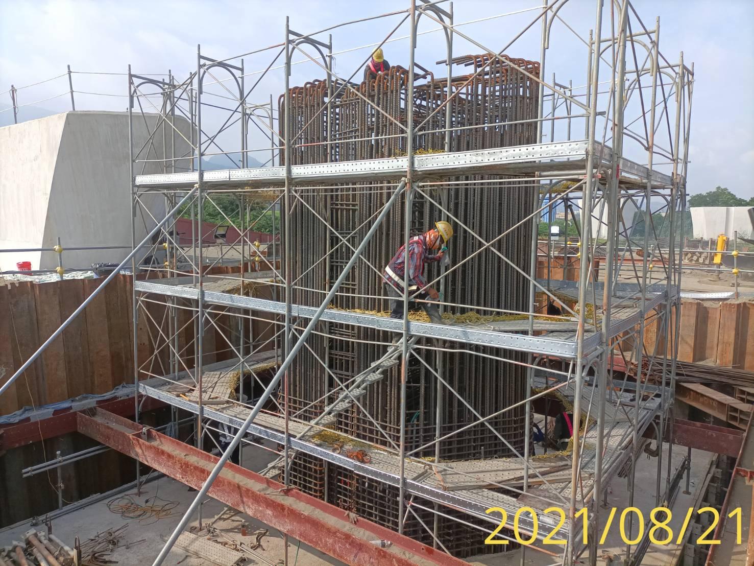 墩柱鋼筋綁紮施工.