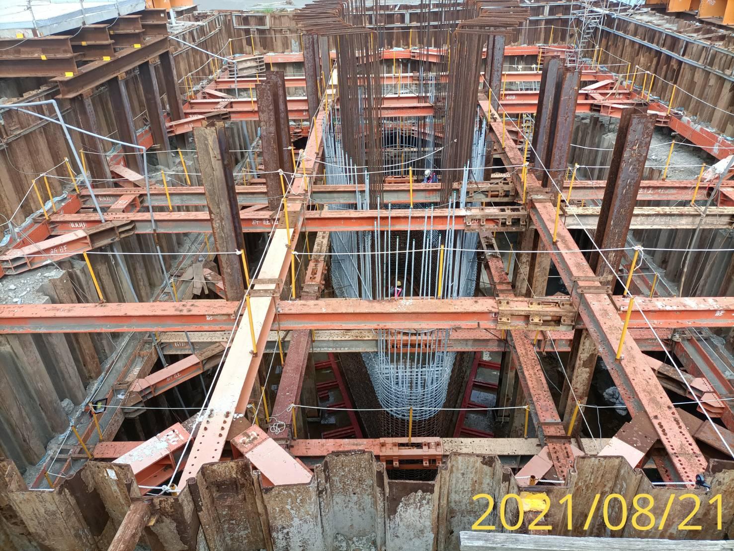 河中段墩柱鋼筋施工.