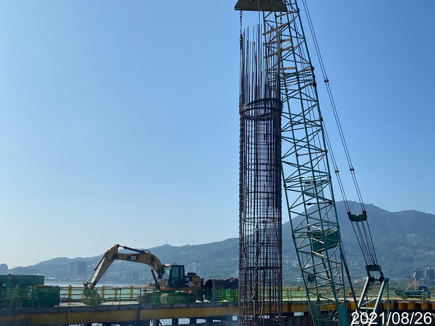 基樁鋼筋籠吊放安裝.