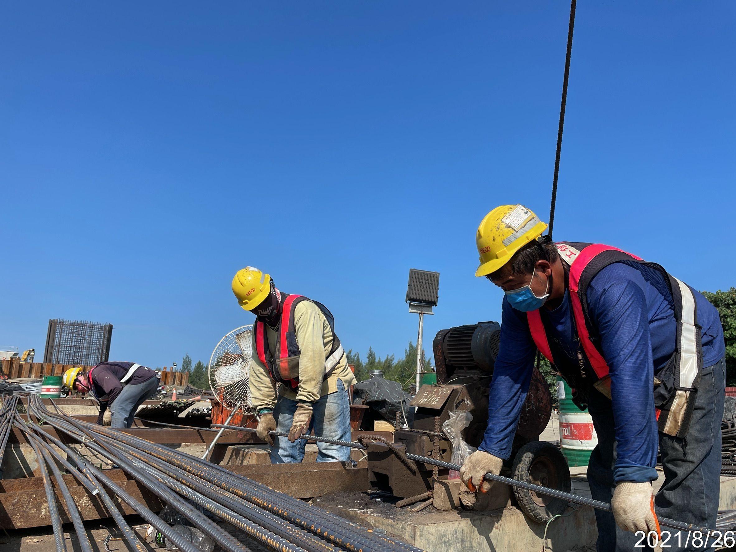 基樁鋼筋籠製作施工.