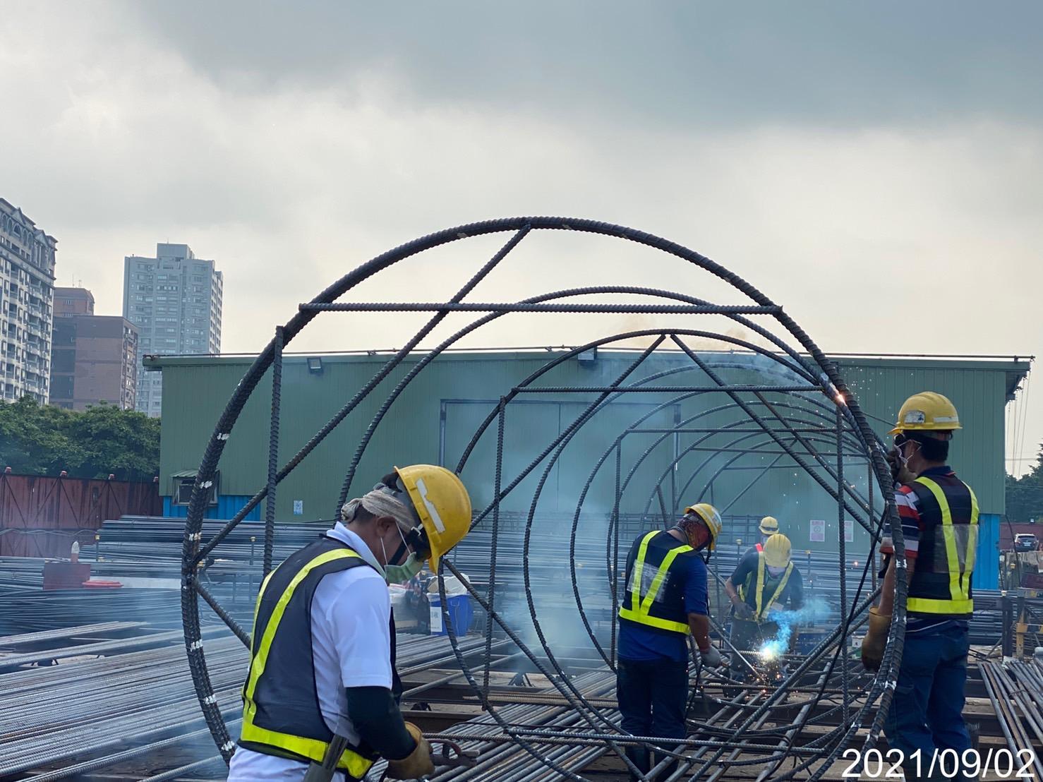 基樁鋼筋籠生產製造作業.