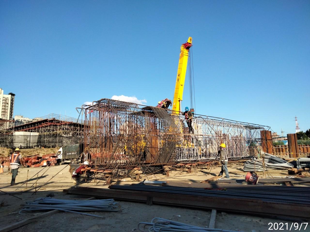 橋墩墩柱鋼筋樣架施工.